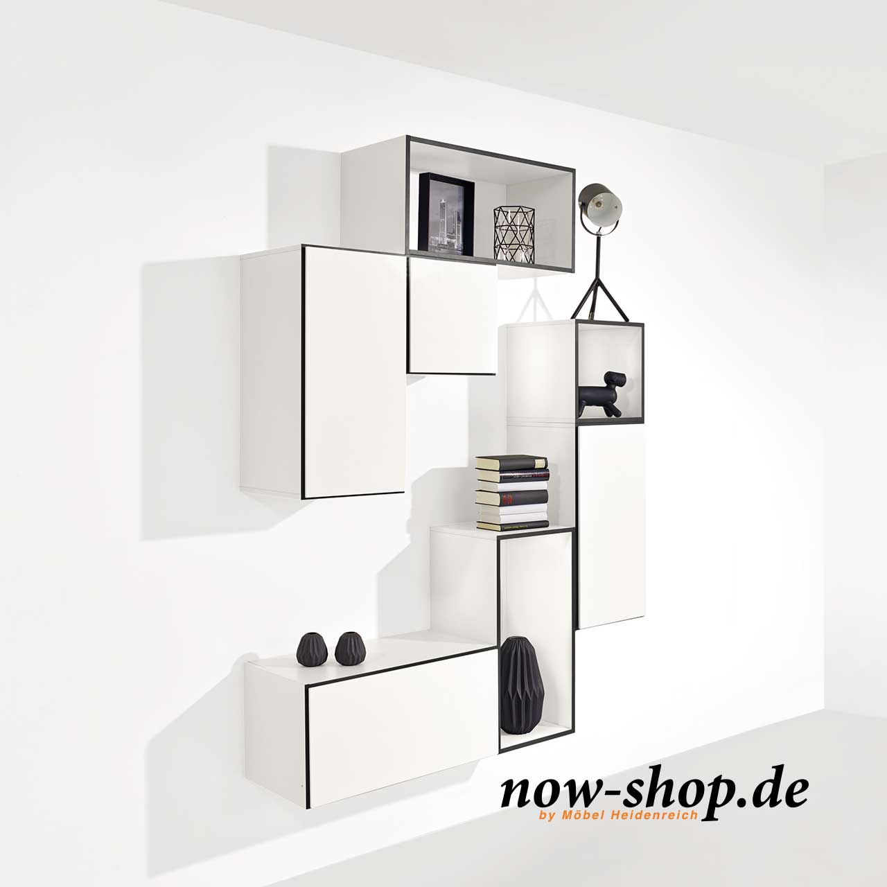 h lsta now vitrinen online kaufen now shop. Black Bedroom Furniture Sets. Home Design Ideas